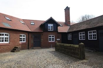 HAUGHTON, NR BUNBURY - 3 bedroom barn conversion