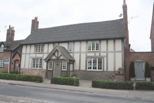 CHESTER ROAD, ACTON, NANTWICH, CW5 - 3 bedroom detached character property