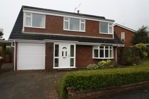 CLEMLEY CLOSE, KELSALL - 3 bedroom detached house