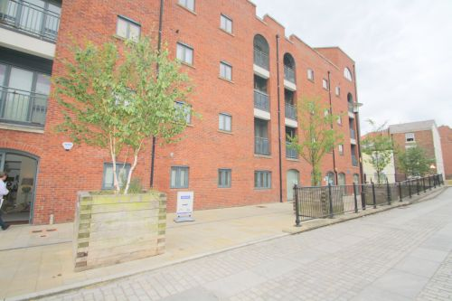 SELLER STREET, CHESTER - 2 bedroom apartment