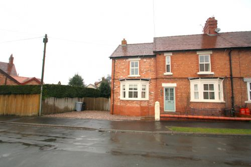 BUNBURY - 4 bedroom semi-detached house