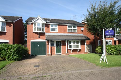 6 BROOKFIELD CLOSE, TARPORLEY - 4 bedroom detached house