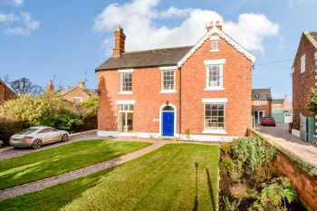 HIGH STREET, TATTENHALL - 4 bedroom detached house