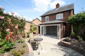 HIGH STREET, TARPORLEY - 2 bedroom detached house