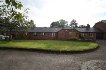LOWER FARM COURT, DUCKINGTON, MALPAS, SY14