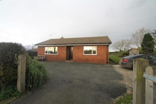 LOW CROFT, COMMON LANE - 2 bedroom detached Bungalow