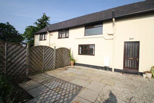 NEWTON LANE, TATTENHALL, CHESHIRE, CH3 - 2 bed barn conversion