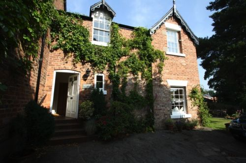 MILLBROOK COTTAGE, TATTENHALL - 1 bedroom cottage